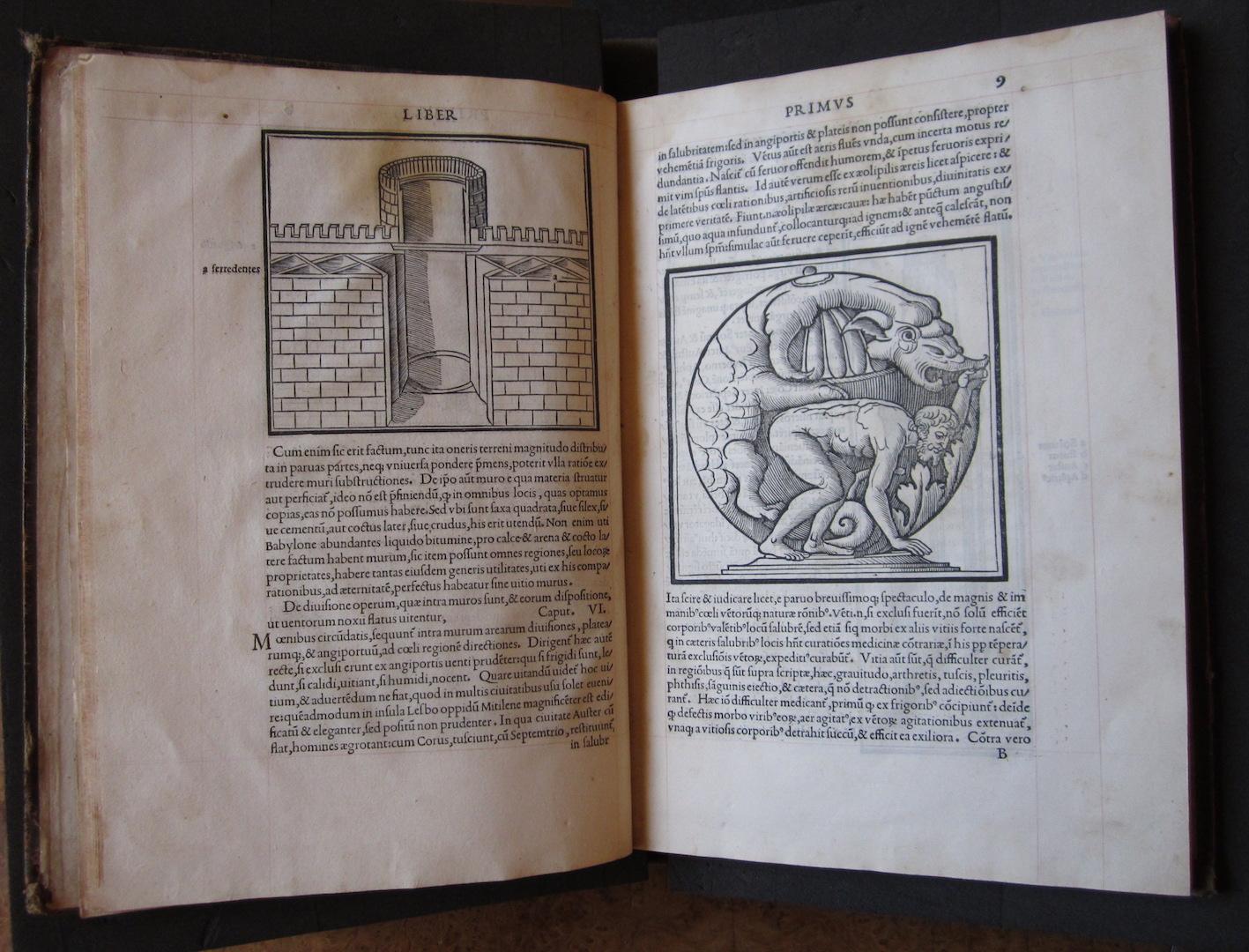 """""""M. Vitruvius per Iocundum solito castigatior factus cum figuris et tabula ut iam legi et intelligi possit (Venice, 1511), ff. 8v-9r."""""""